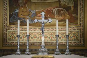 Kruzifix Altar